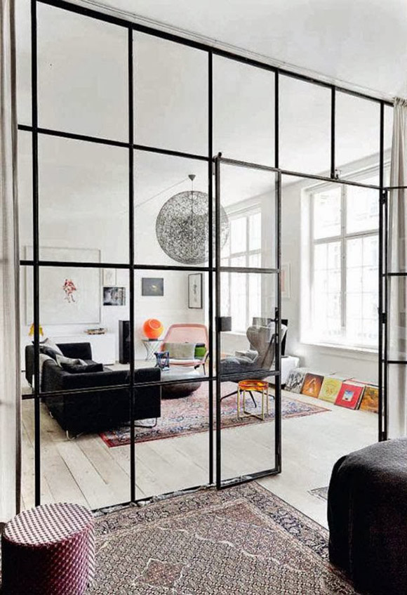 Eclectic trends it 39 s trending metal black framed room for Ouvrir une fenetre dos