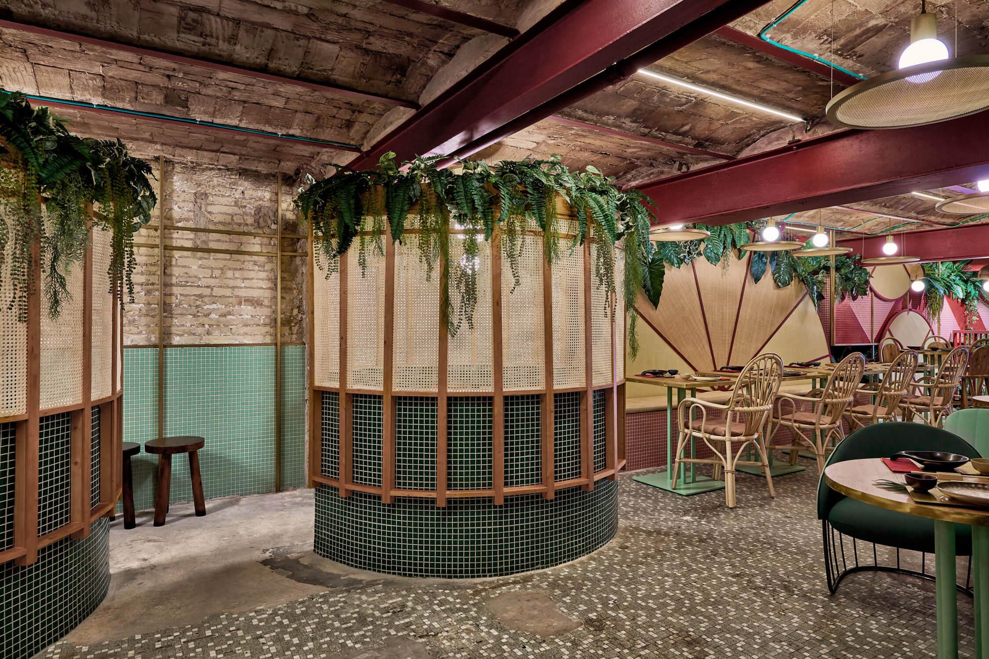 Eclectic Trends | A Nippo Brazilian Restaurant by Masquespacio in Valencia