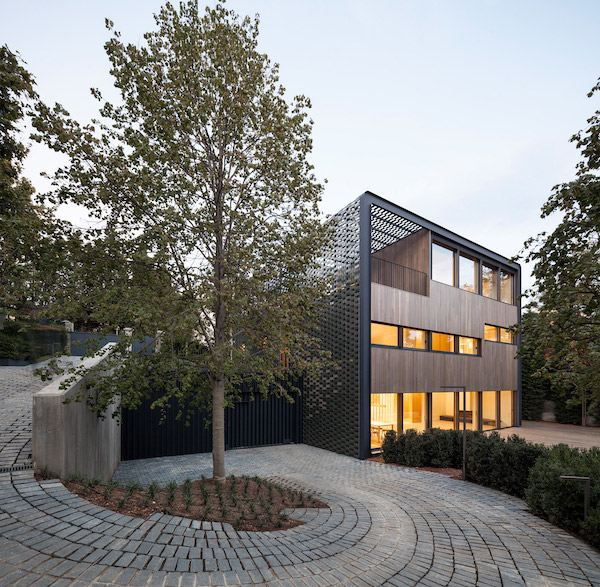 tr-house-pmmt-architects-residential-architecture-barcelona_dezeen_2364_col_1