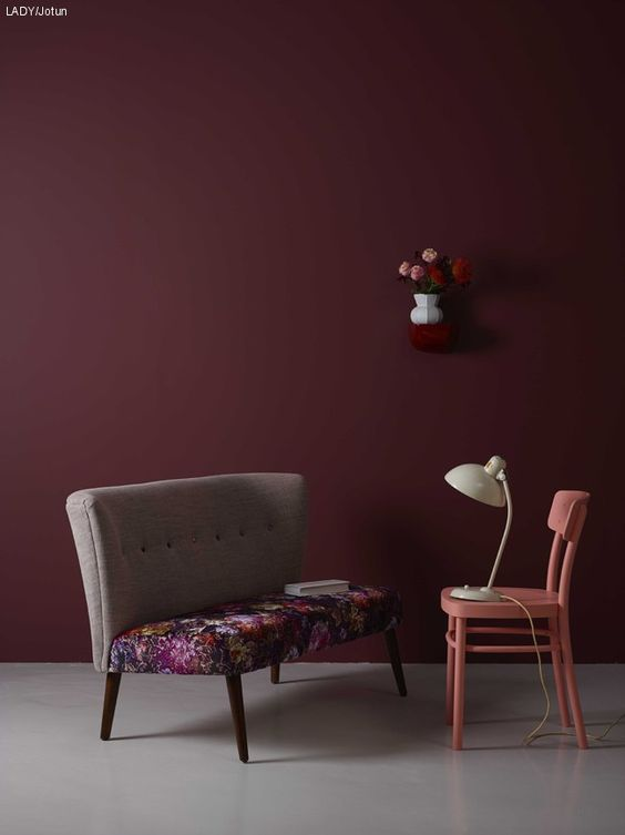 Color Trend 2017/18: 10 examples of Violet walls via Eclectic Trends