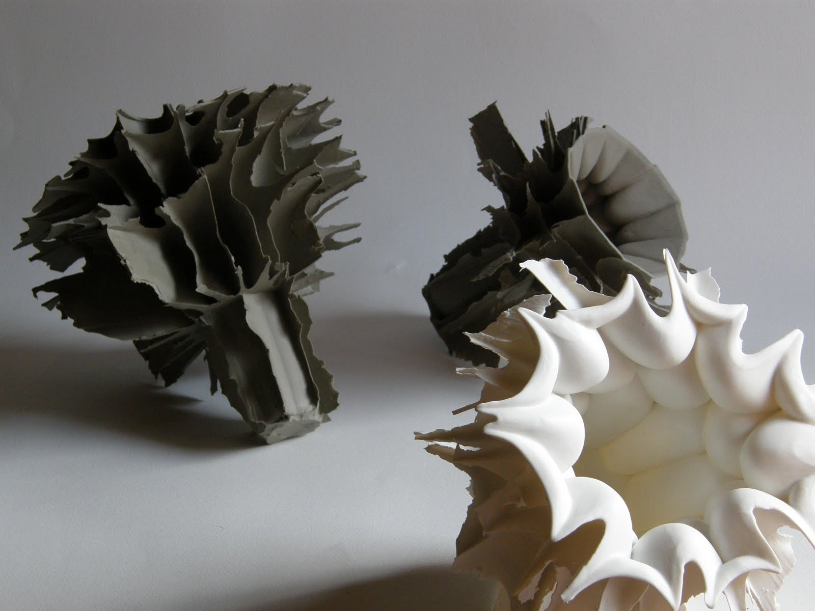 Simon Zsolt ceramics via Eclectic Trends