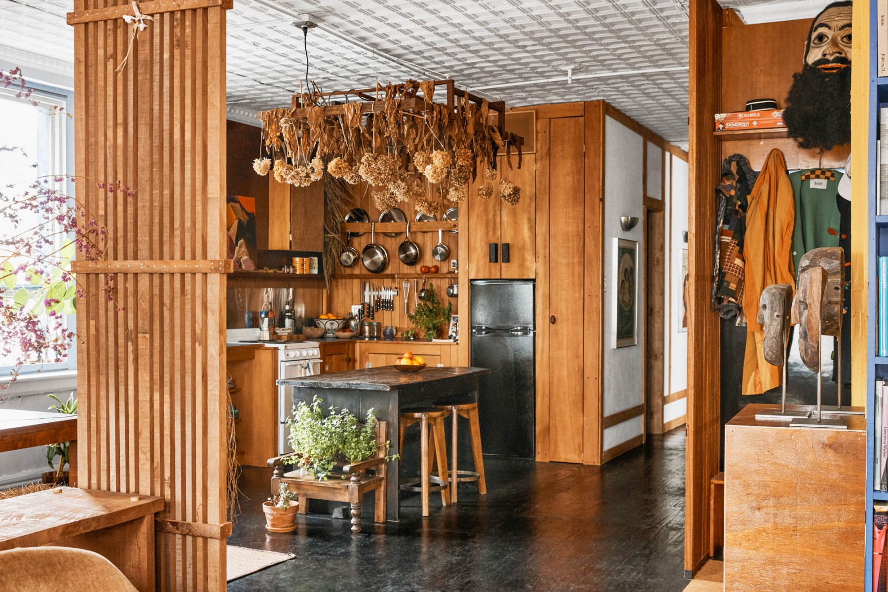 Cabin aesthetics in Downtown Manhattan - Green River Project