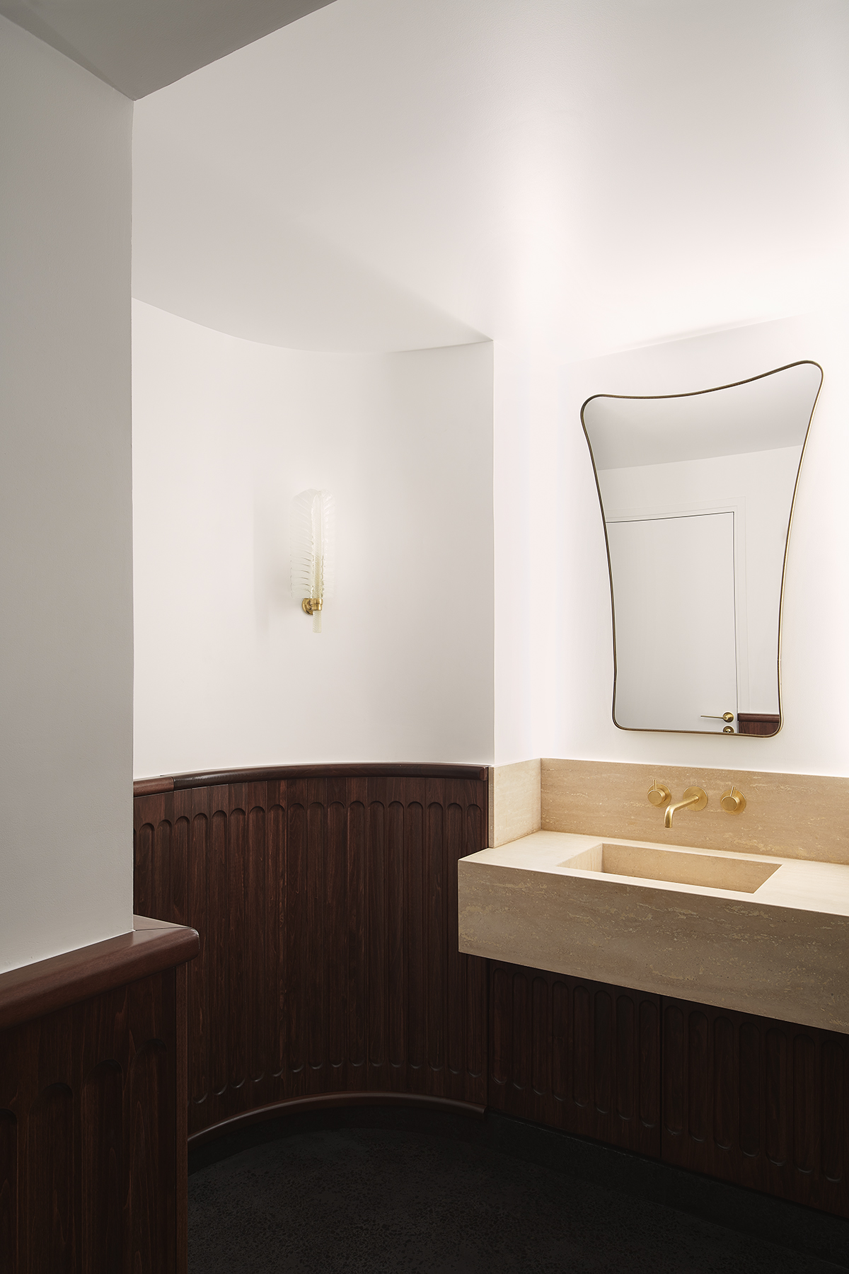 Chicest doctor office by Alessandro Marconi in Paris